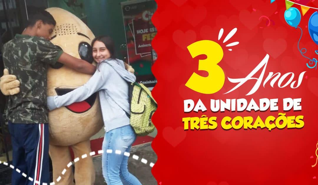 3 ANOS DA UNIDADE CAROL COXINHAS TRÊS CORAÇÕES